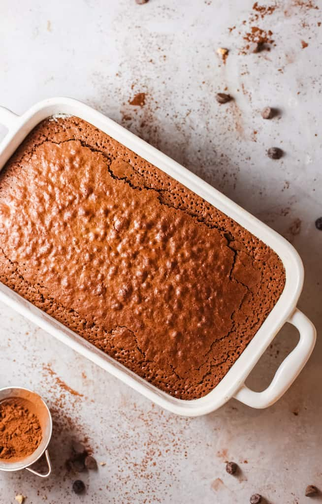 pan of baked fudge brownies