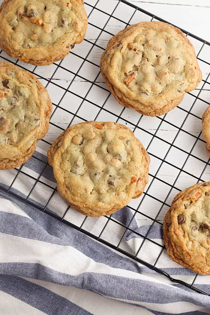 Gluten Free Kitchen Sink Cookies - Well, If She Can Do It...