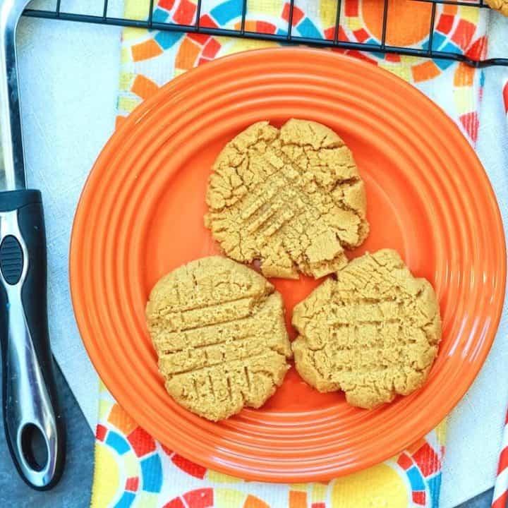 3- Ingredient Peanut Butter Cookies