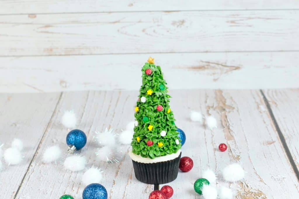 cupcake decorated as a Christmas tree