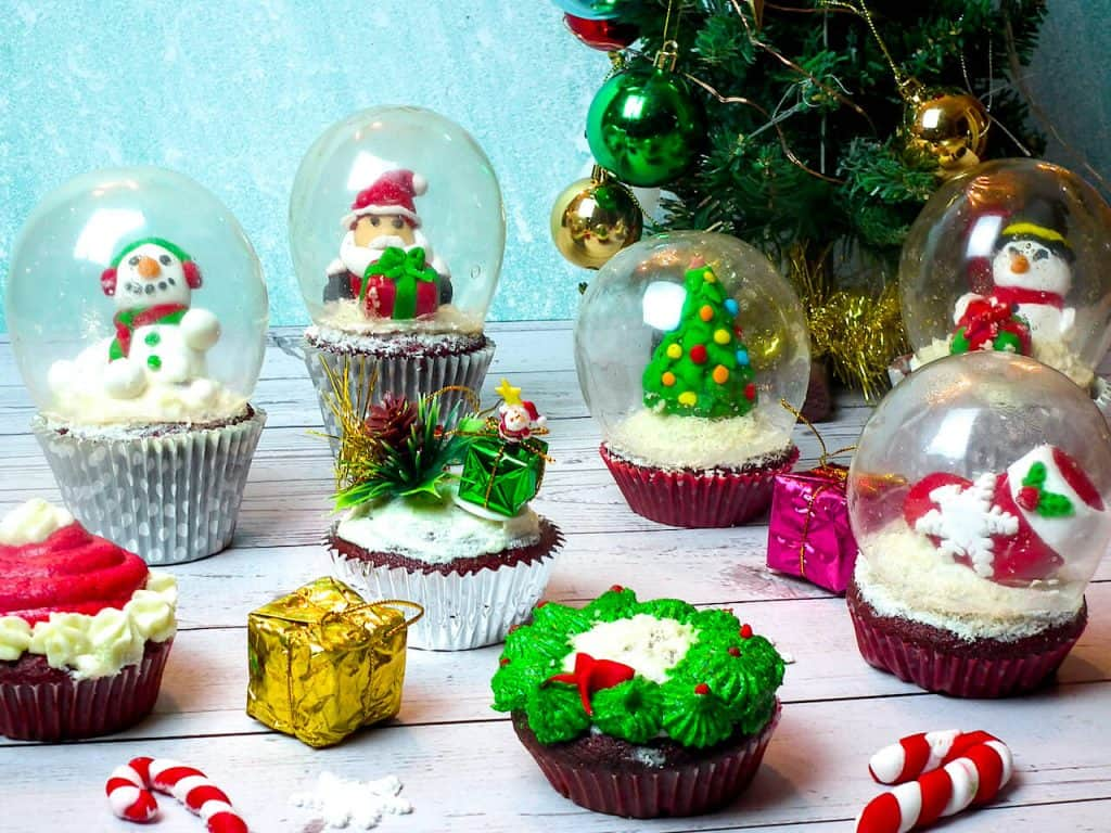 Snow Globe Cupcakes with Christmas Decorations inside